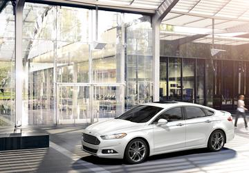 Ford Motor Co. recalls 1.4M Fusions, MKZs because the steering wheel could fall off