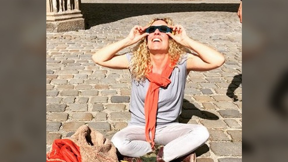 When should you wear your solar eclipse viewing glasses for What happens if you don t wear solar eclipse glasses