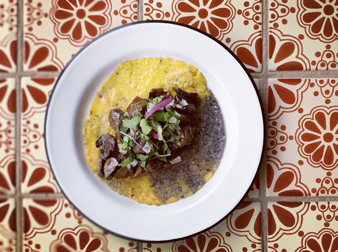 This taco features organic cremini mushrooms sautéed in liberal amounts of garlic and tequila, and is served in a house-made heirloom corn tortilla with cilantro and chopped white onions. (Image: Courtesy Ciele Rojo)