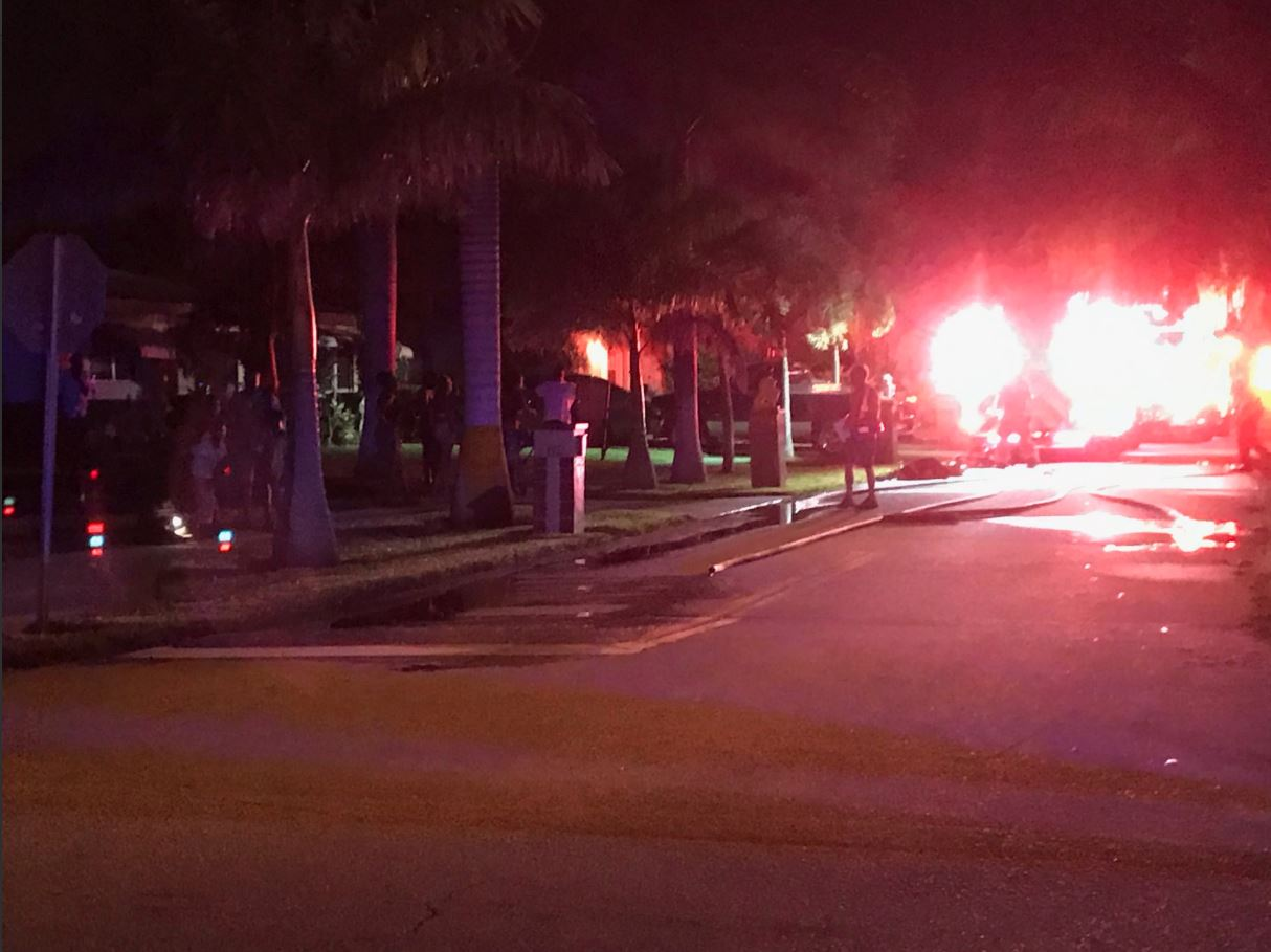 House Fire Displaces Family, 7 Dogs In Delray Beach (WPEC)