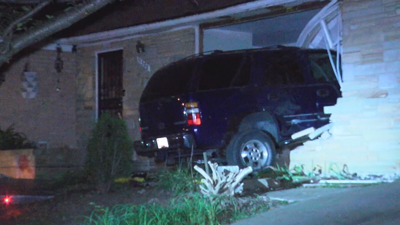 Woman Buried Under Rubble After Suv With Impaired Driver Crashes