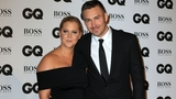 Amy Schumer jokes about recent break-up onstage