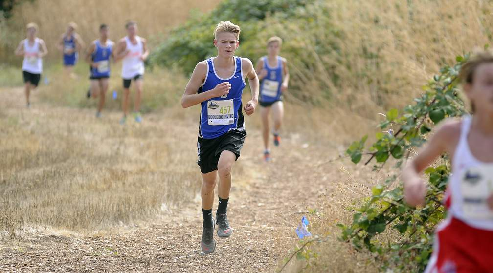 Rogue XC Invite at Colver Sports Fields in Talent 9-23-17. Boys JV Race - Andy Atkinson