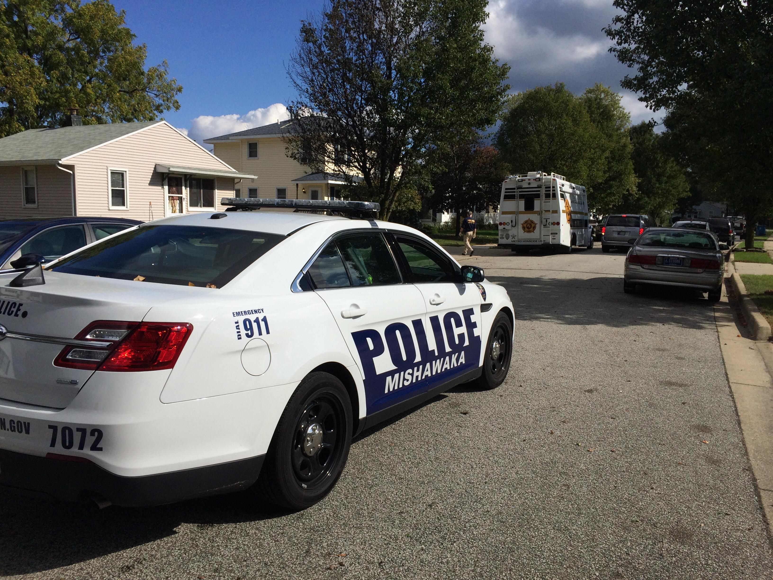 St. Joe Metro Homicide Unit investigates home on Bastogne Street in Mishawaka// WSBT 22