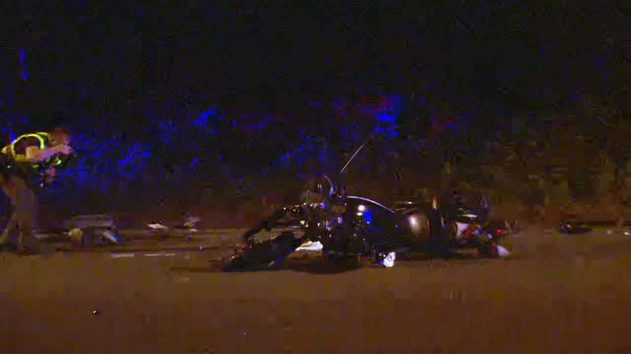 Police investigate a fatal motorcycle crash in Maple Valley (KOMO Photo)
