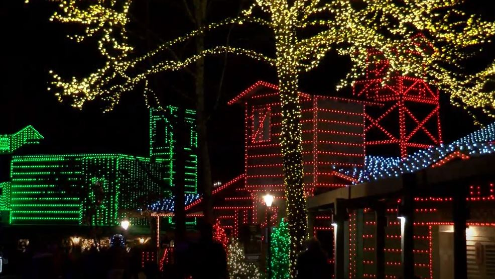 Christmas at Dollywood offers families