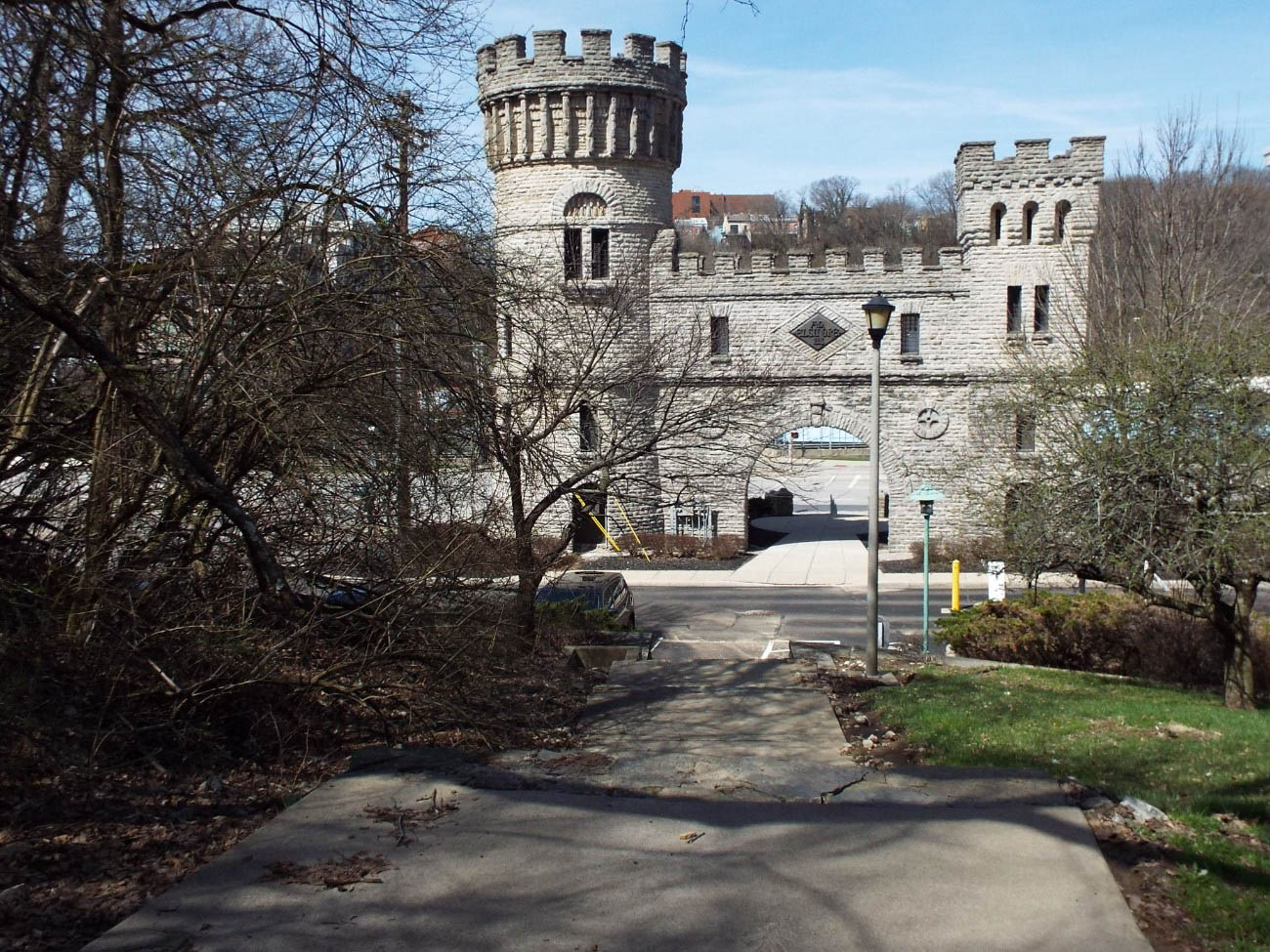 Elsinore Arch cost $15,000 to build and was intended to be a grand entrance to Eden Park and the Cincinnati Art Museum. While the stone stairs leading up to the park remain, once automobiles became more popular, the stairs lost much of their necessity. / Image: Amy Bauer // Published: 4.12.19
