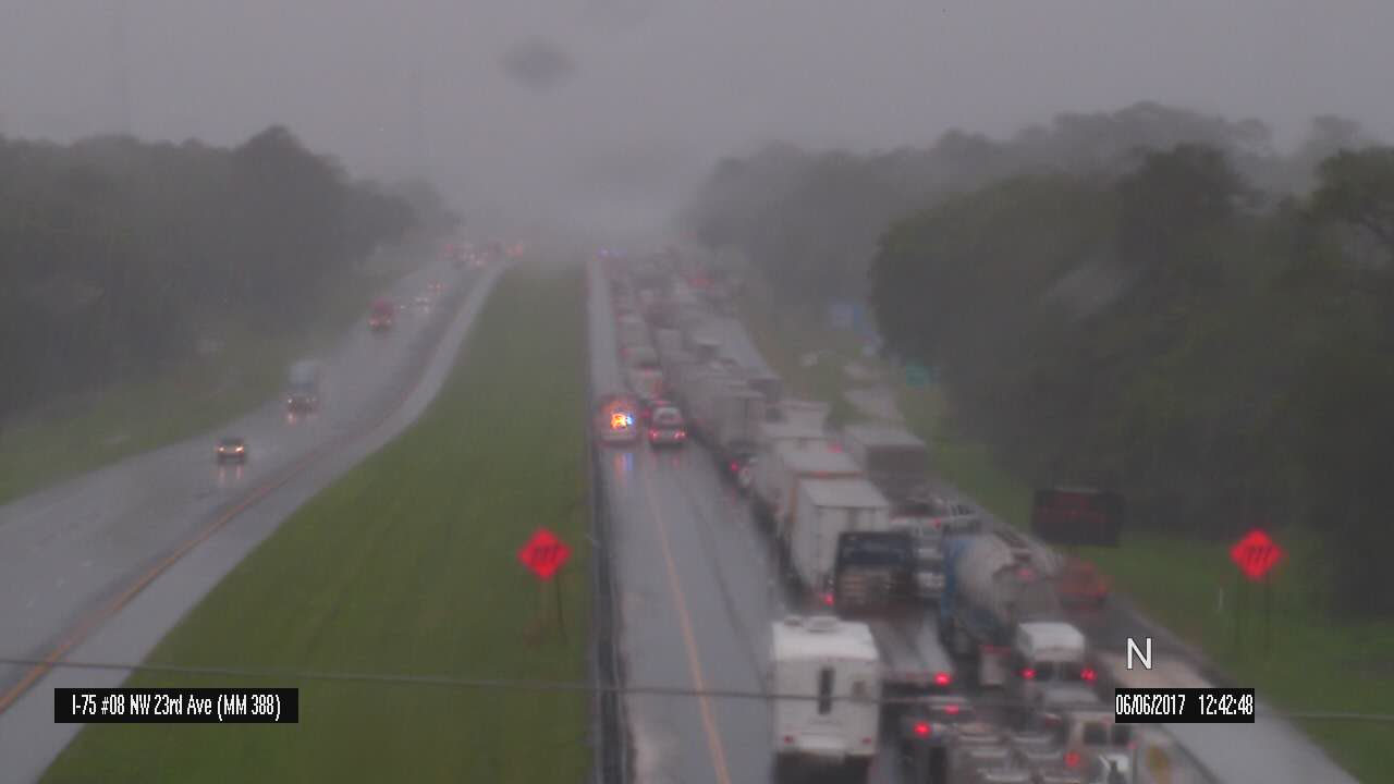 Multiple wrecks causing delays on I-75.