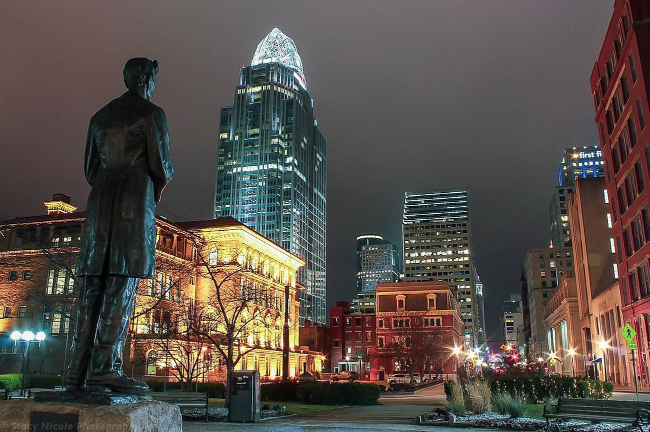 Abraham Lincoln takes in the view of Cincinnati's urban cityscape from Lytle Park. / Image courtesy of Instagram user @addicted_to_shots // Published: 3.20.19