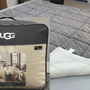 175,000 comforters recalled due to mold exposure