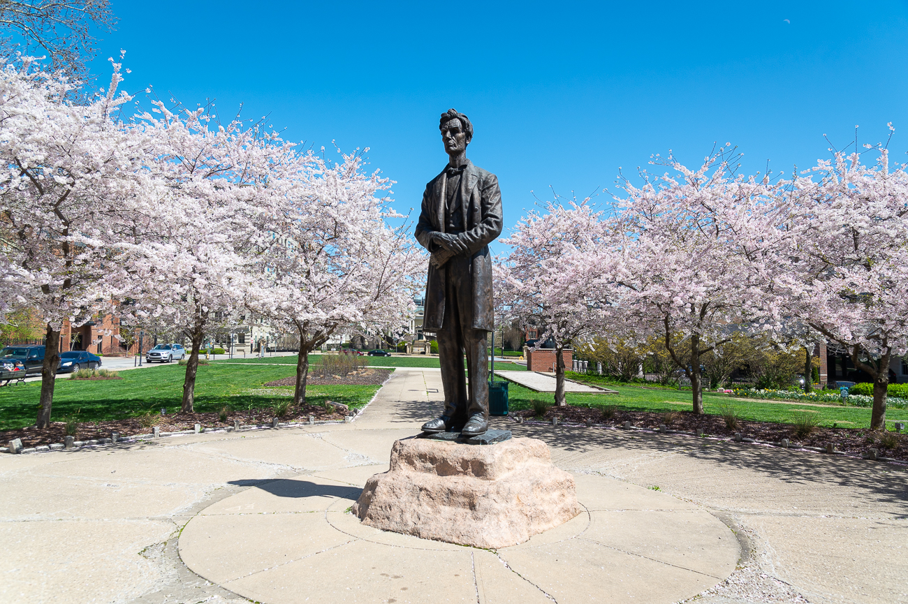 FACT #1: It began as a memorial for two men / DETAILS: The idea behind the 11-foot bronze statue of Abraham Lincoln in Lytle Park originally began as a memorial for both the beloved US President and the late Frederick H. Alms. Upon his death, his will set aside $100,000 for the construction of a statue of Lincoln—someone he greatly admired. His wife set out to fulfill this wish as the executrix of his will. / SOURCE: 'George Grey Barnard's Controversial Lincoln' by Harold E. Dickson for Art Journal Vol. 27, No. 1 (1967) / Image: Phil Armstrong // Published: 4.2.20