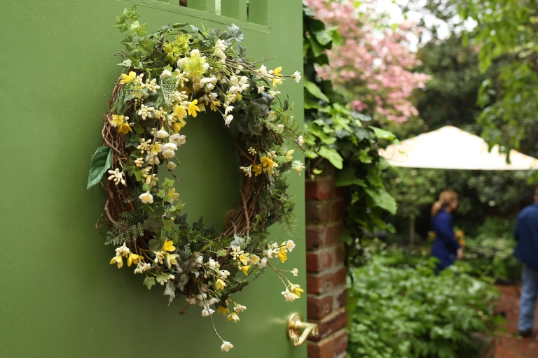 On April 22, five homes in old town Alexandria opened up their doors to hundreds of curious onlookers for the 84th annual Alexandria Historic Homes & Garden Tour. Attendees were invited to explore the spectacular homes and gardens seldom seen by the public.