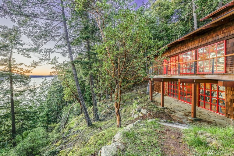 You get a home, you get a home! Actually - only Oprah gets a home this nice. Mrs. Winfrey just bought Madroneagle, a 7,303 square foot home on Orcas Island. The four baths and five beds home is compiled of over 40 acres with nearly 3,000 feet of waterfront, rare reclaimed wood finishes throughout, an Asian garden, beach, trails, shop, sauna, pond, and stream. But don't get too excited about seeing her around town, Windermere has confirmed that it was bought as an investment property. Who knows - maybe she'll come check on her investment sometime? Either way, welcome to the Pacific Northwest! (Image: Windermere)