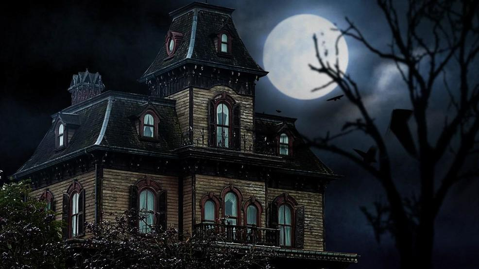 Haunted House by Sean MacEntee,CC by 2.0, MGN.jpg