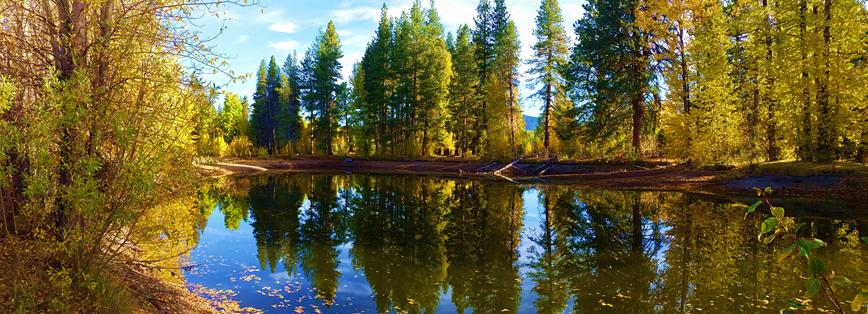 Annie Creek Pond along the Volcanic Legacy Highway (Joe Squire/CC by 2.0)