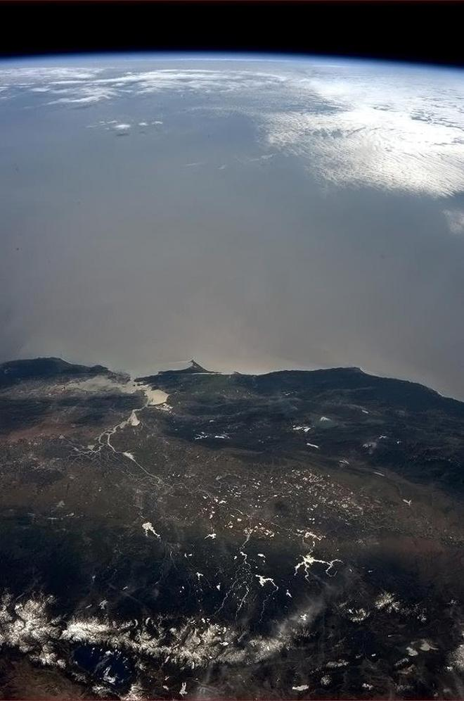 San Francisco and California wine country - a favourite place on Earth. (Photo & Caption: Col. Chris Hadfield, NASA)
