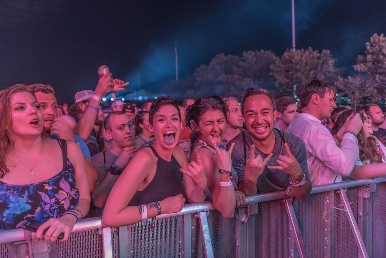 The crowd outside the photo pit during Incubus' performance on Saturday, June 2. / Image: Mike Menke // Publsihed: 6.3.18