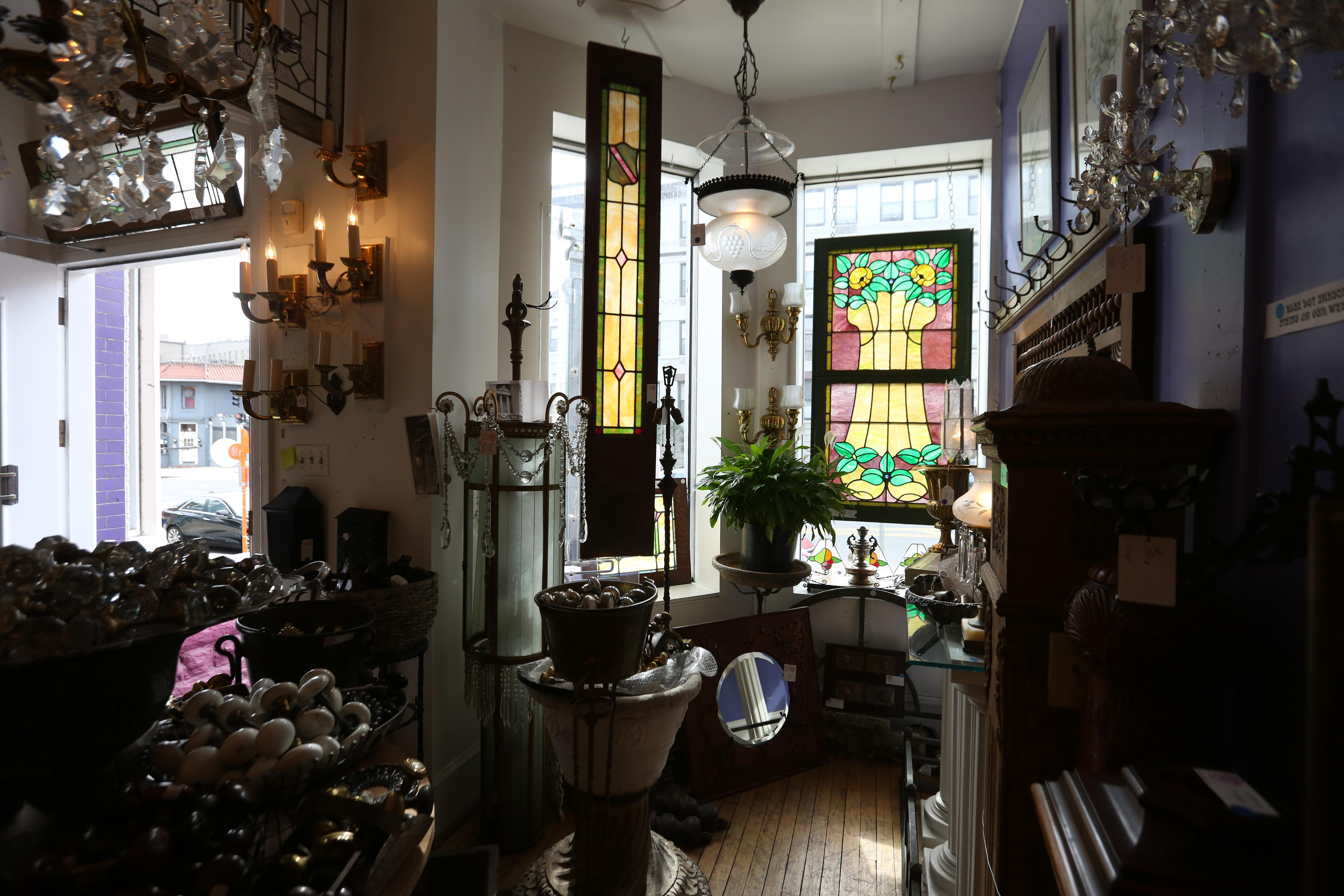 It's spring cleaning time, so this is the perfect opportunity to upgrade your living space with something old. Check out these (mostly) vintage and antique home goods available in D.C. (Amanda Andrade-Rhoades/DC Refined)