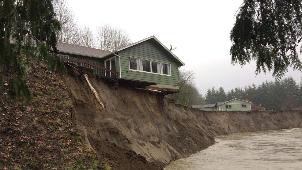 'We don't expect it to last long': Skagit River about to claim teetering home