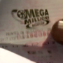 2 huge lottery jackpots combine to exceed $500 million with customers eager for tickets
