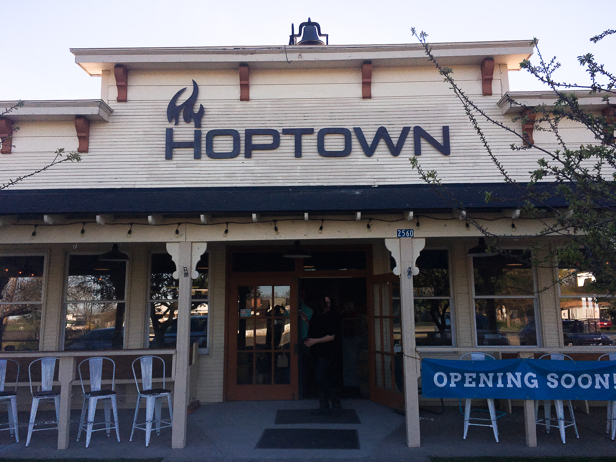 HopTown (Image: Paola Thomas/Seattle Refined)