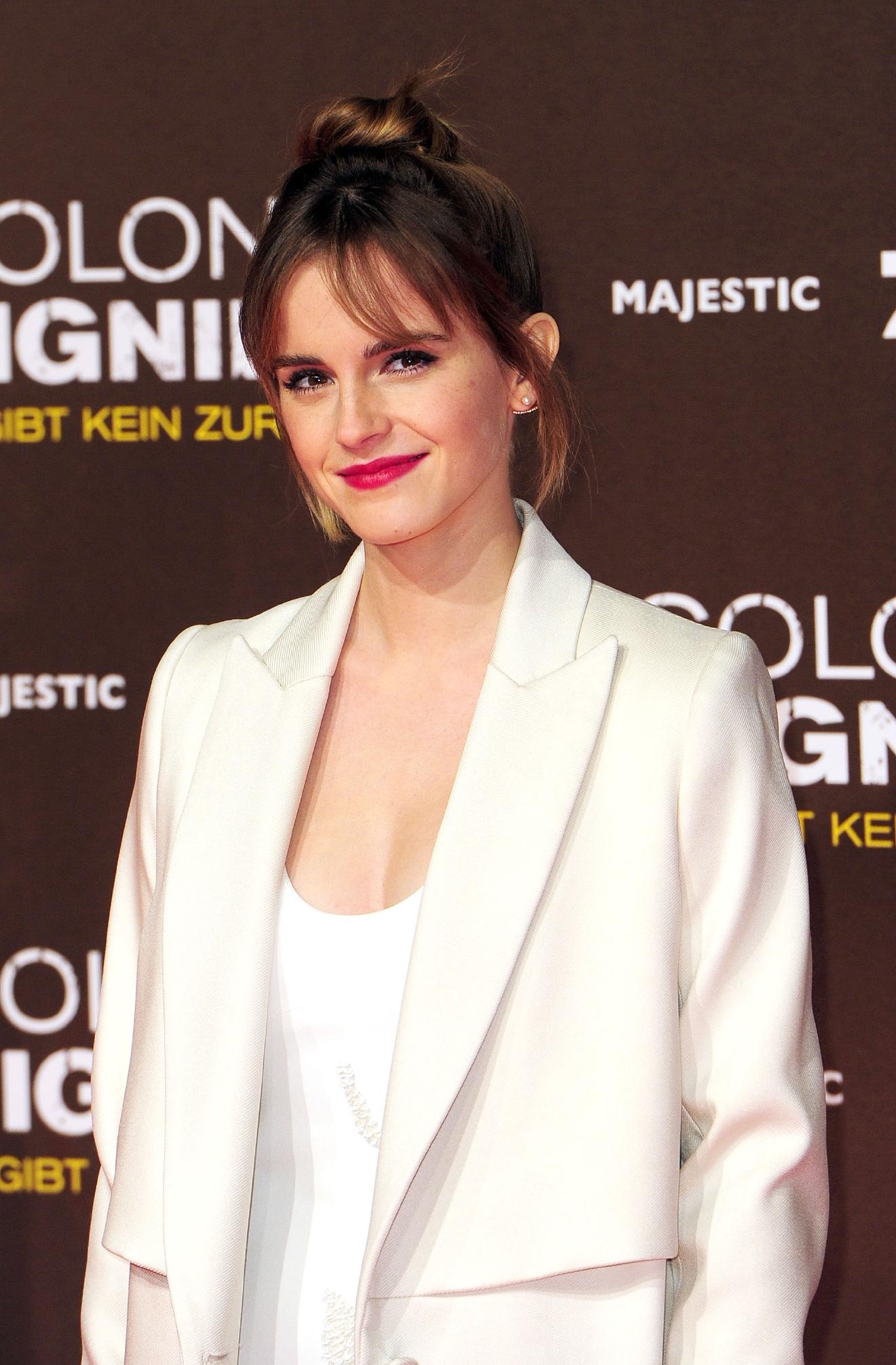Emma Watson demands pornography website remove leaked