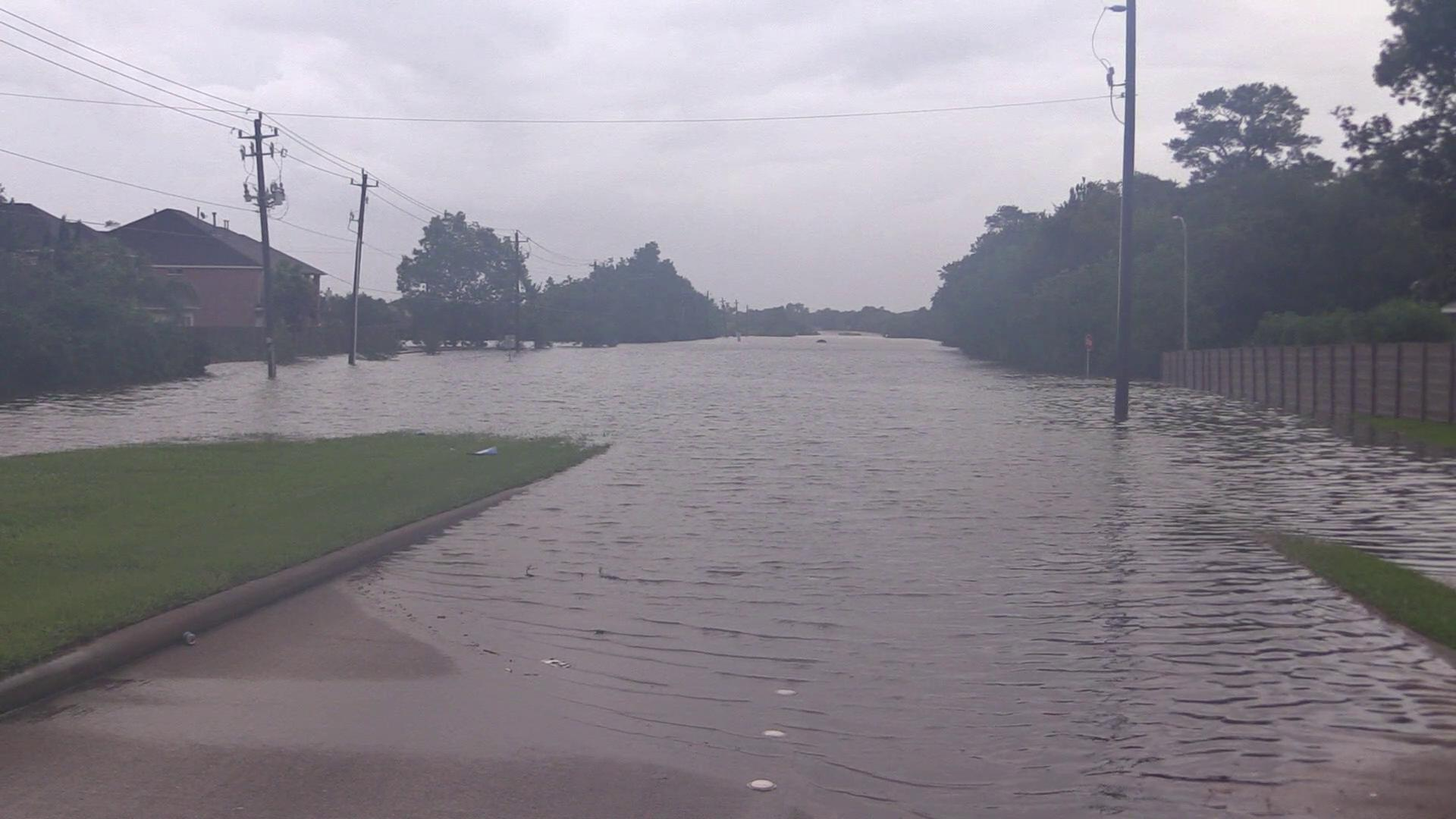 Friendswood, TX - Historic Flooding Clear Creek (VIDEO: Live Storm Media / Sam Dienst)Thumbnail