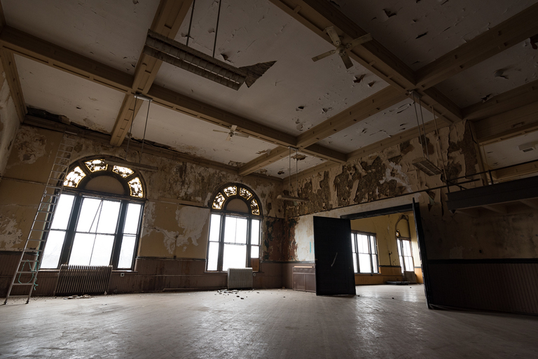 The ballroom on the top floor of the office building part of Sorg is unused and is currently waiting to be renovated. / Image: Phil Armstrong, Cincinnati Refined // Published: 3.17.18