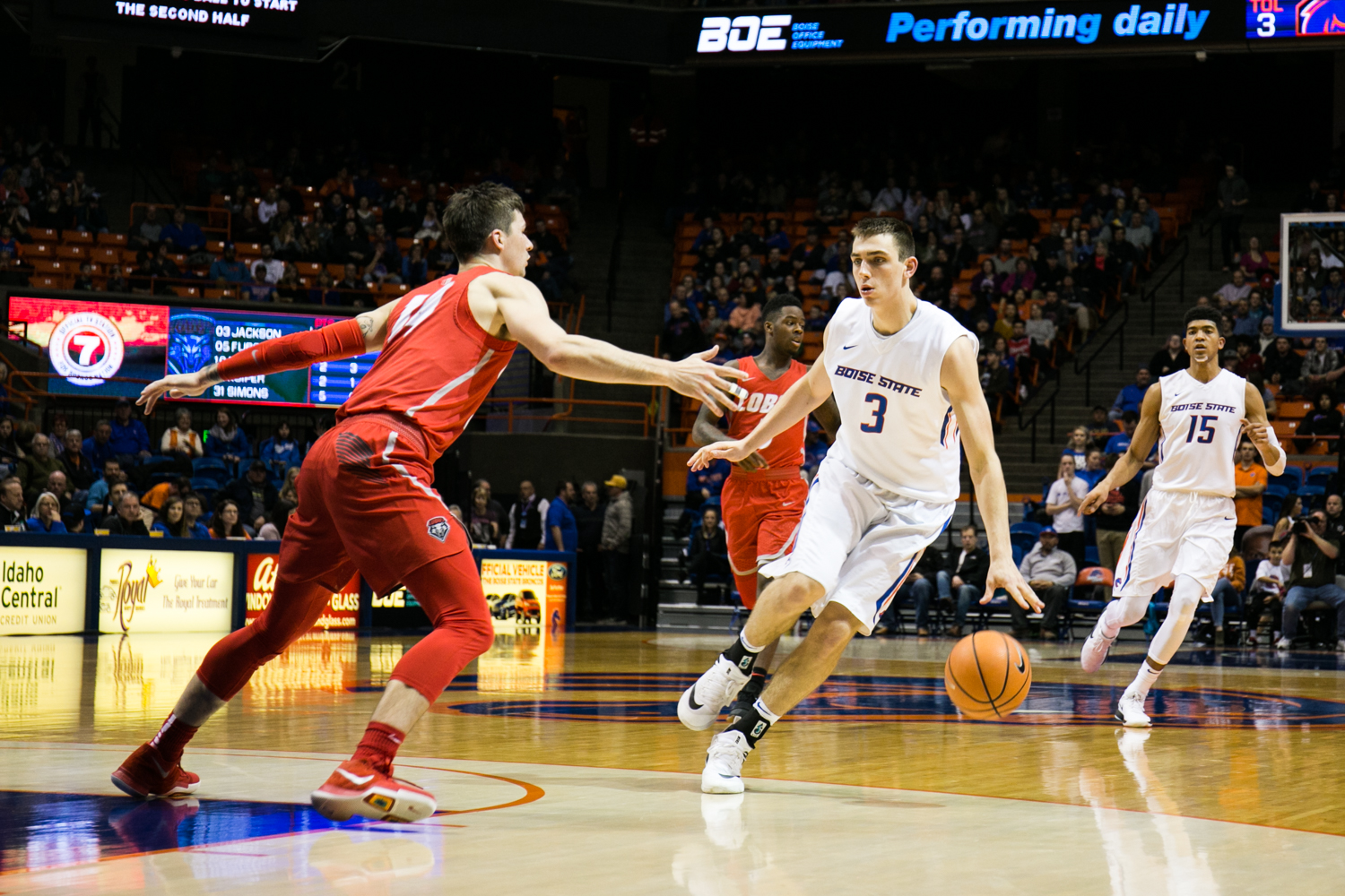 The Boise State men's basketball team took the win Wednesday night against New Mexico! The final score came to a rest at 90 -62.  (Kristen McPeek Photo)