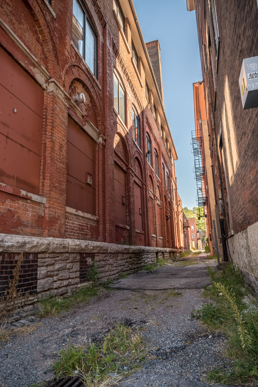 NAME: Eton Place / CONNECTS: Central Parkway to Race Street / NEIGHBORHOOD: OTR / Image: Phil Armstrong, Cincinnati Refined