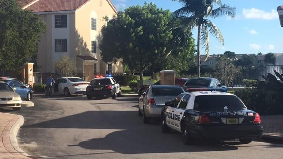 Man hospitalized after shooting on malibu bay drive wpec - Palm beach gardens mall shooting ...