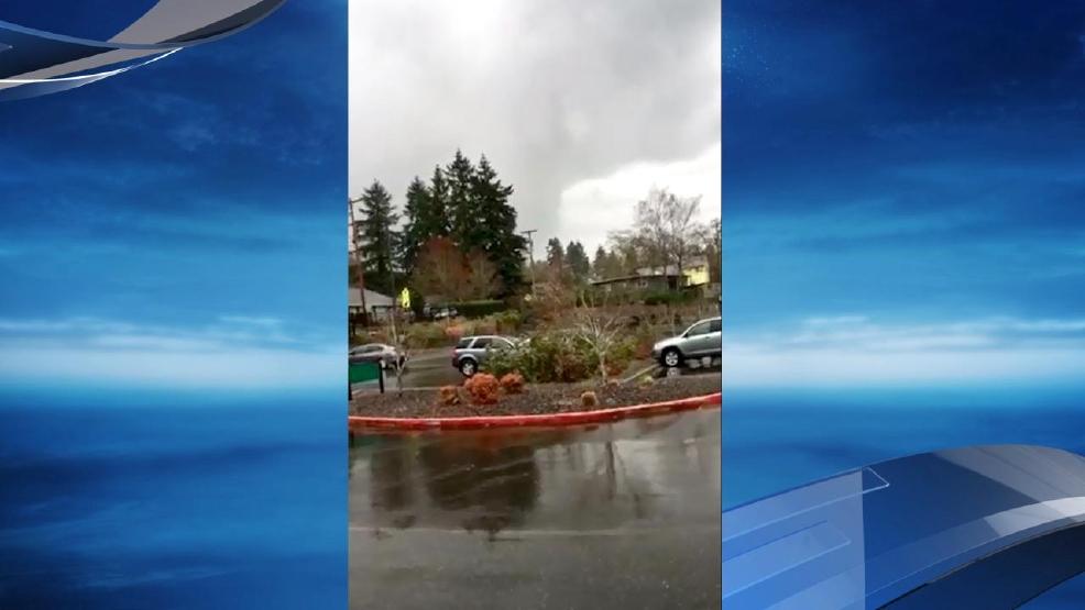 39 weak tornado 39 hits clark county causes minor damage komo. Black Bedroom Furniture Sets. Home Design Ideas