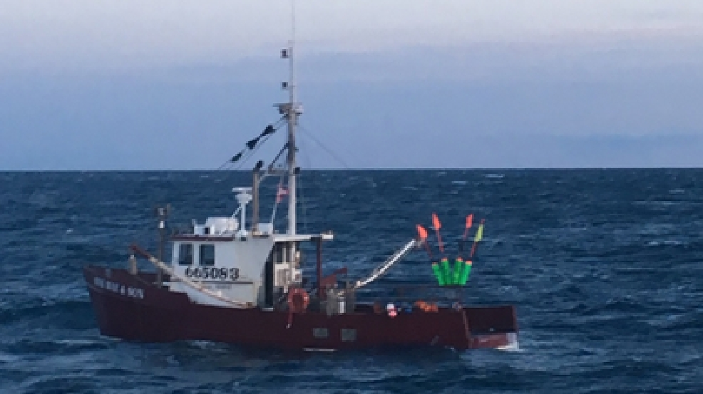 Coast Guard rescues two lobstermen from sinking boat in York | WGME