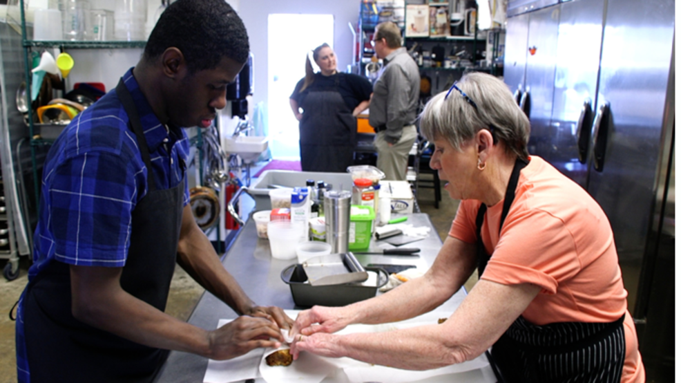 Arkansas businesses offer job shadowing for individuals with developmental disabilities