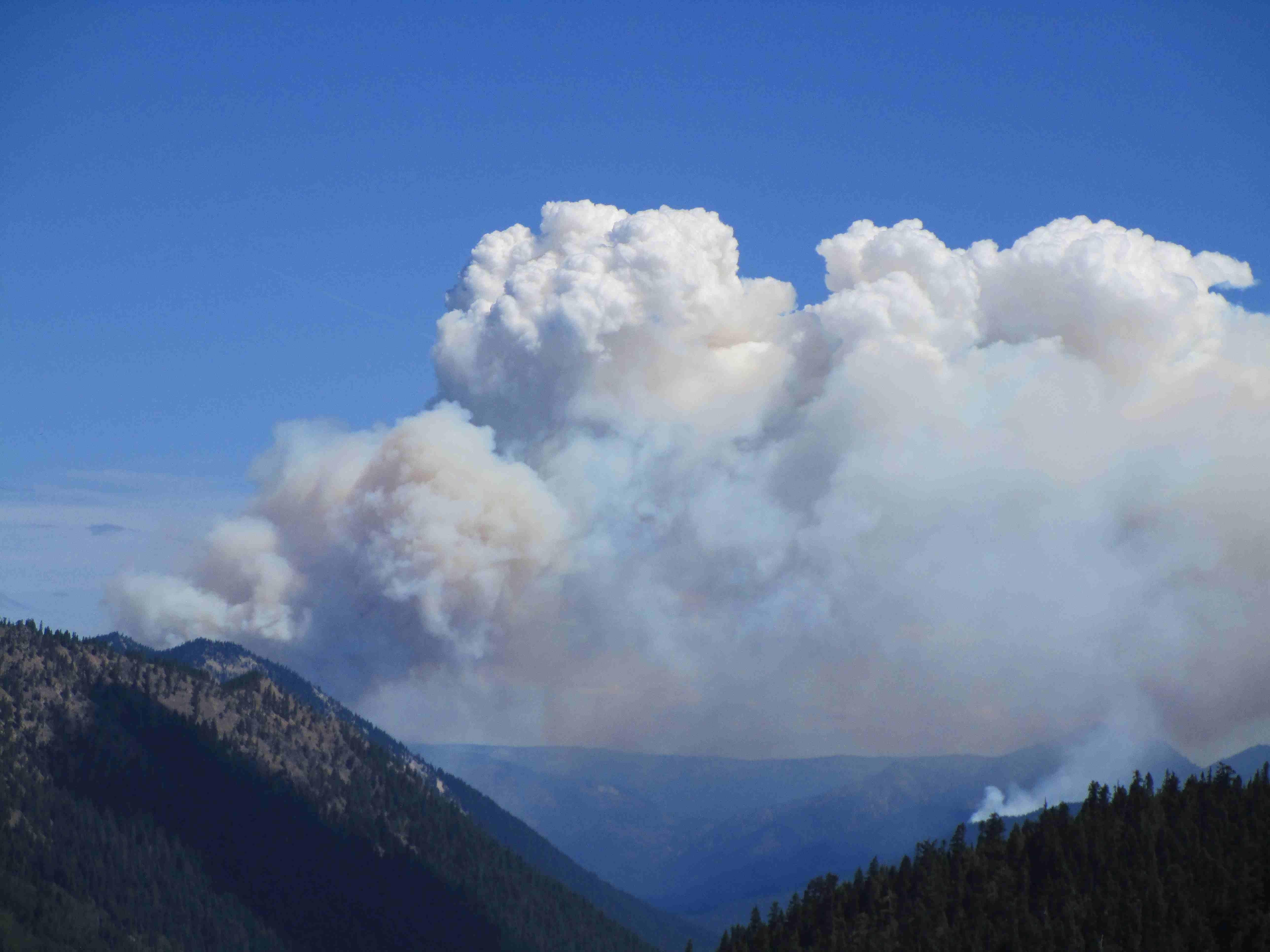 Fire hazards cause road closures near Chinook Pass