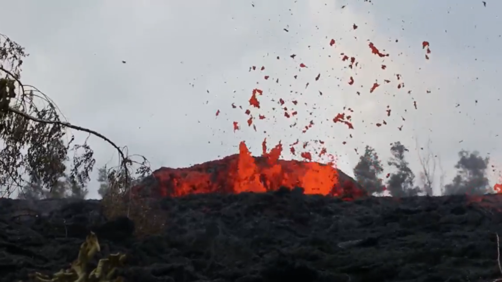 Inside the Storm: New lava fissure erupting in Hawaii's Kilauea volcano
