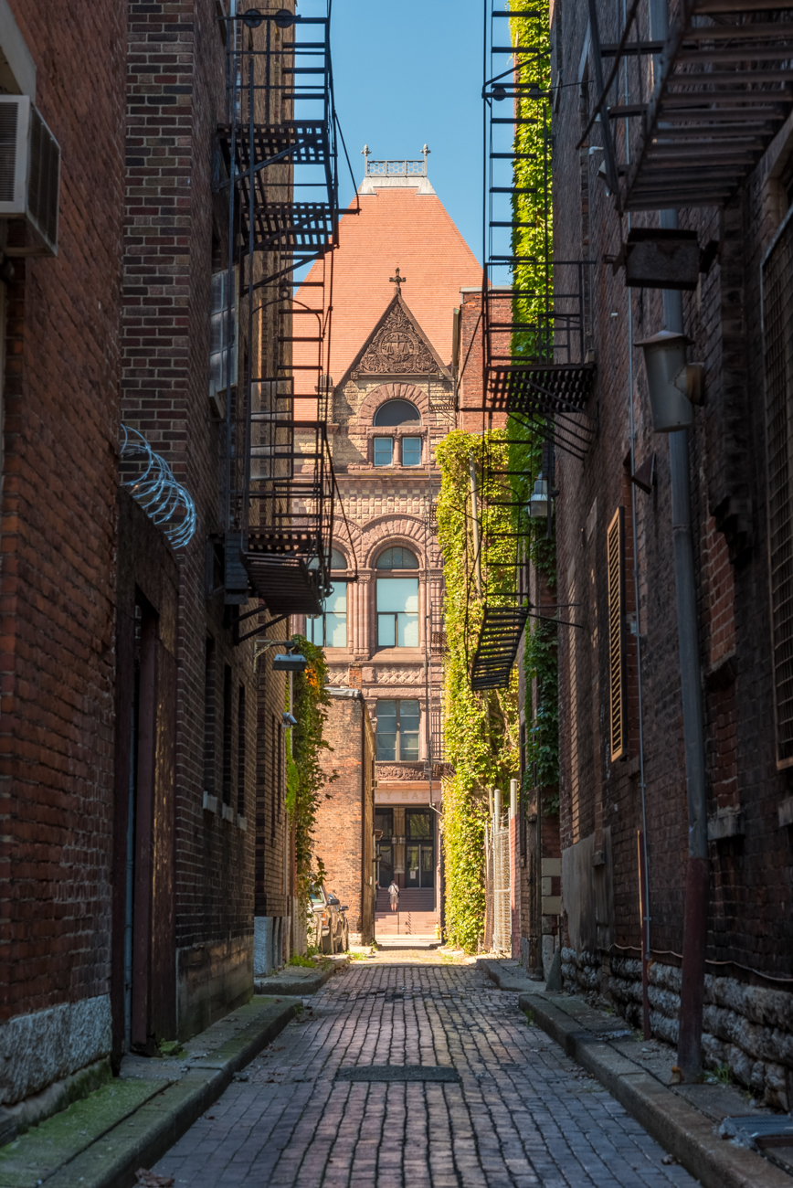 NAME: Weaver Alley / CONNECTS: Plum Street to Doerr Alley / NEIGHBORHOOD: Downtown / Image: Phil Armstrong, Cincinnati Refined