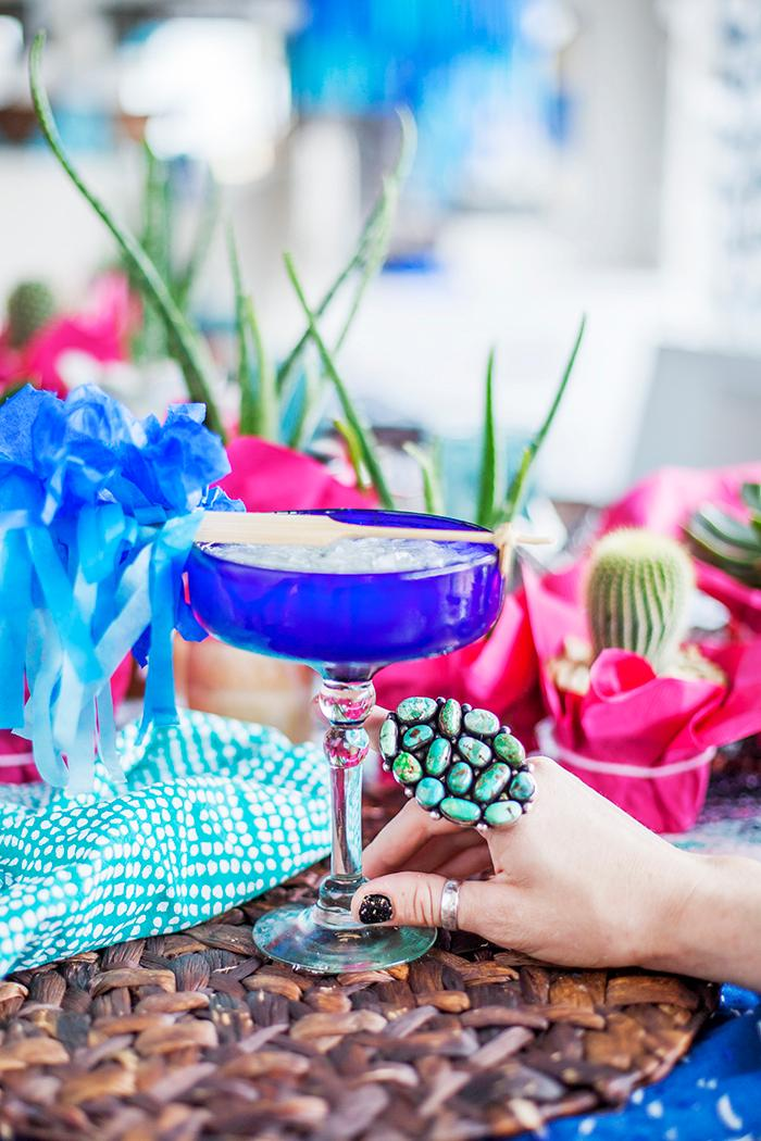 Cinco de Mayo is just around the corner and it is the perfect excuse to invite your friends over for a vibrant, colorful dinner party to celebrate Mexican culture (respectfully!){ }and to indulge in flavorful dishes. Trust us, your guests will be begging for this to become a yearly tradition!(Image: Ashley Hafstead)