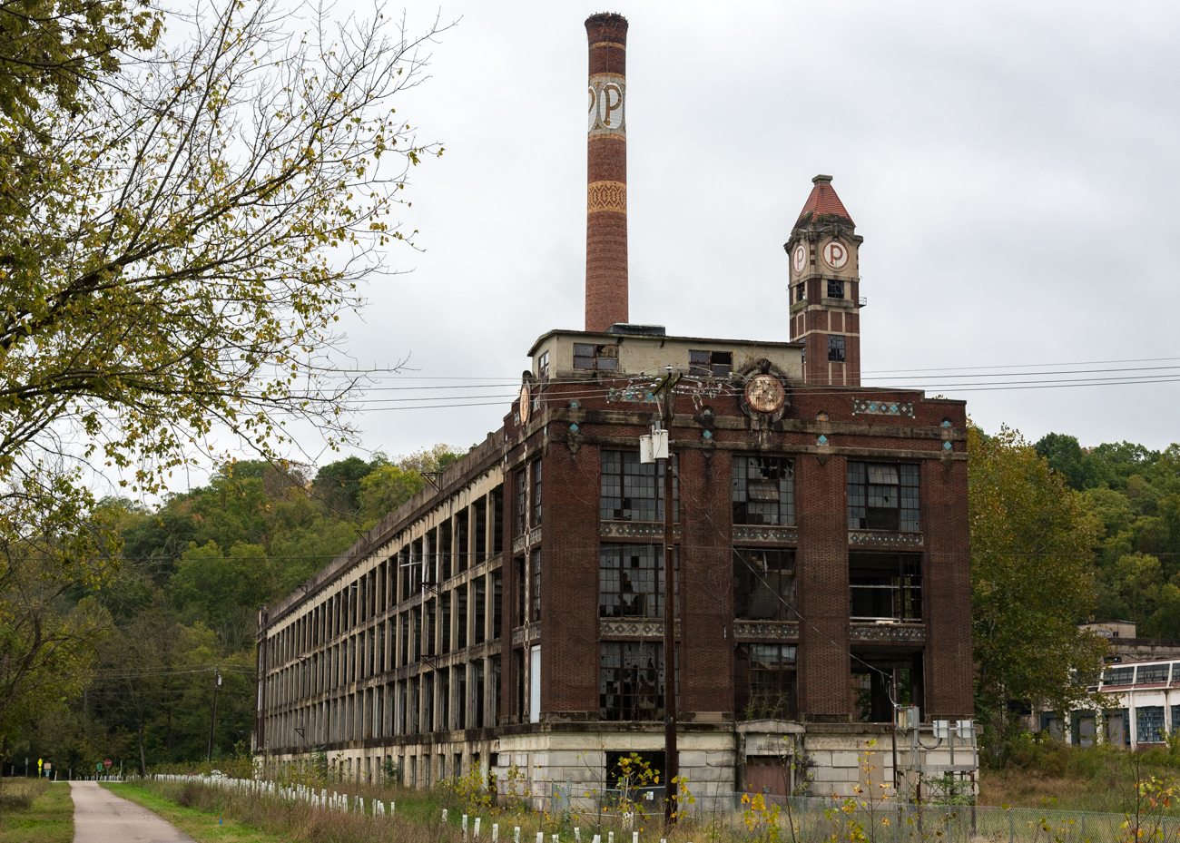 The factory that stands today wasn't there at the beginning of the company. On July 15, 1890, a series of events caused an explosion that killed 12 people and decimated most of the plant's wooden buildings. The concrete and brick building that stands today was erected after the turn of the century. / Image: Phil Armstrong, Cincinnati Refined // Published: 10.13.17