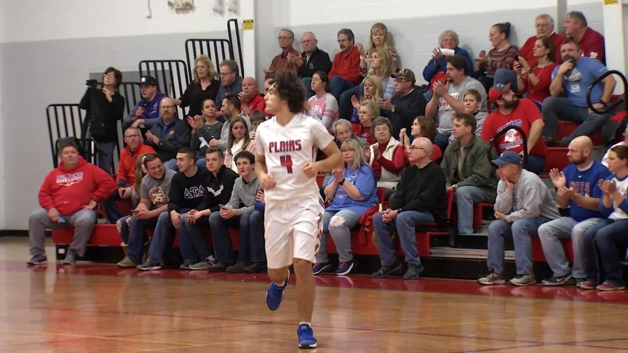 PORTA pulls out road win at Pleasant Plains 41-36