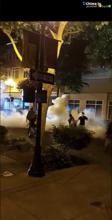Distubios anoche en Eugene. Chris shared photos of the riot in downtown Eugene May29-30, 2020, via CHIME IN.
