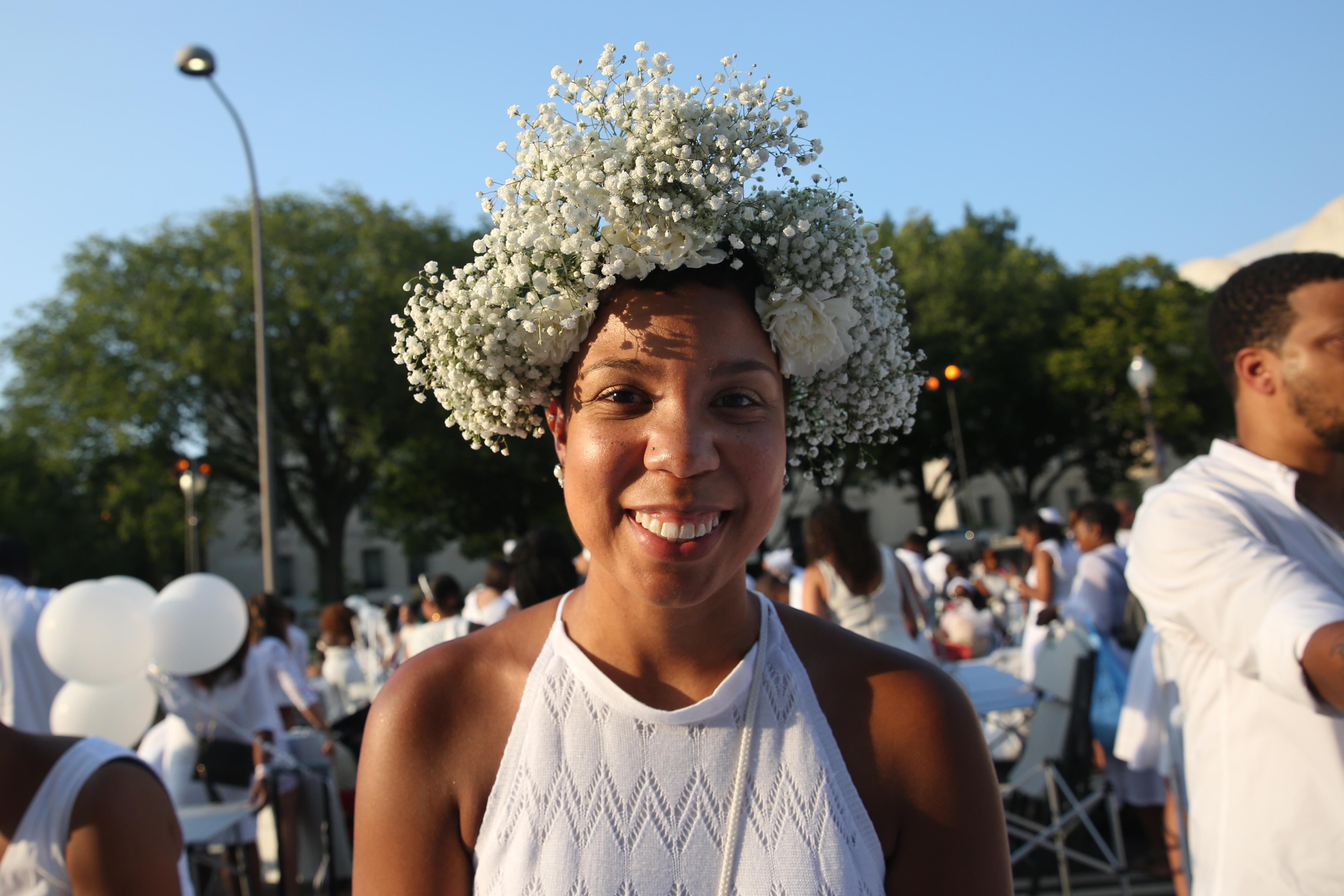 Nicole Foster's flower crown was so soft and romantic. (Amanda Andrade-Rhoades/DC Refined)
