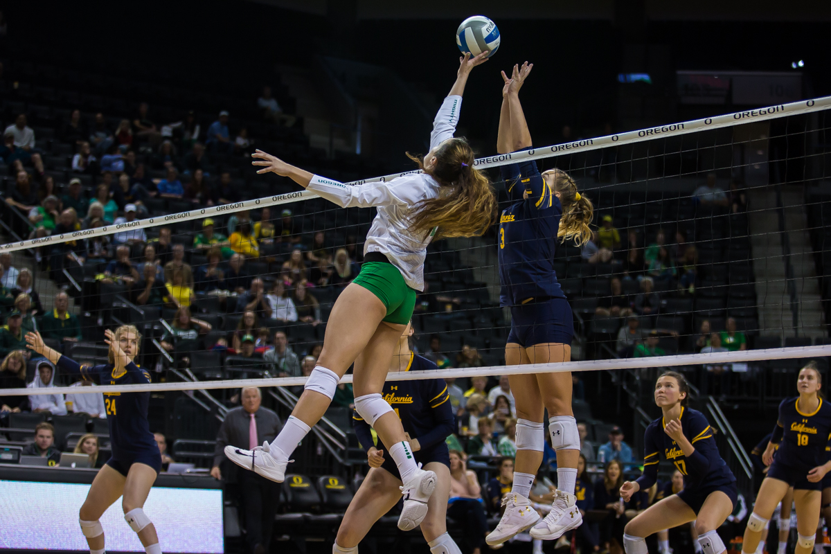 The Oregon Ducks volleyball team bounced back from their loss Friday night with a win against the California Golden Bears Sunday afternoon. Oregon won in three straight sets, bringing their overall season record to 10-4. They're now 3-3 in Pac-12 play. Photo by Dillon Vibes