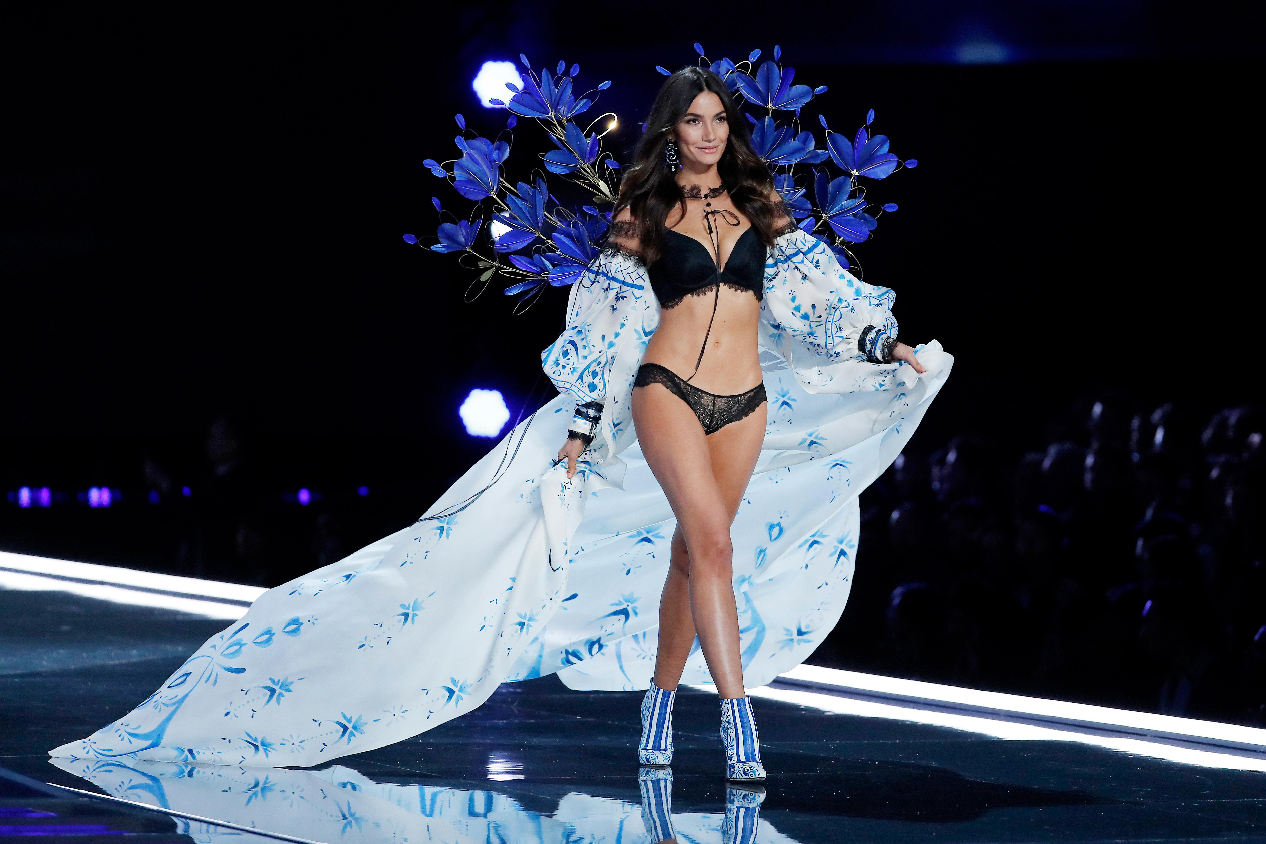 Model Lily Aldridge wears a creation during the Victoria's Secret fashion show at the Mercedes-Benz Arena in Shanghai, China, Monday, Nov. 20, 2017. (AP Photo/Andy Wong)