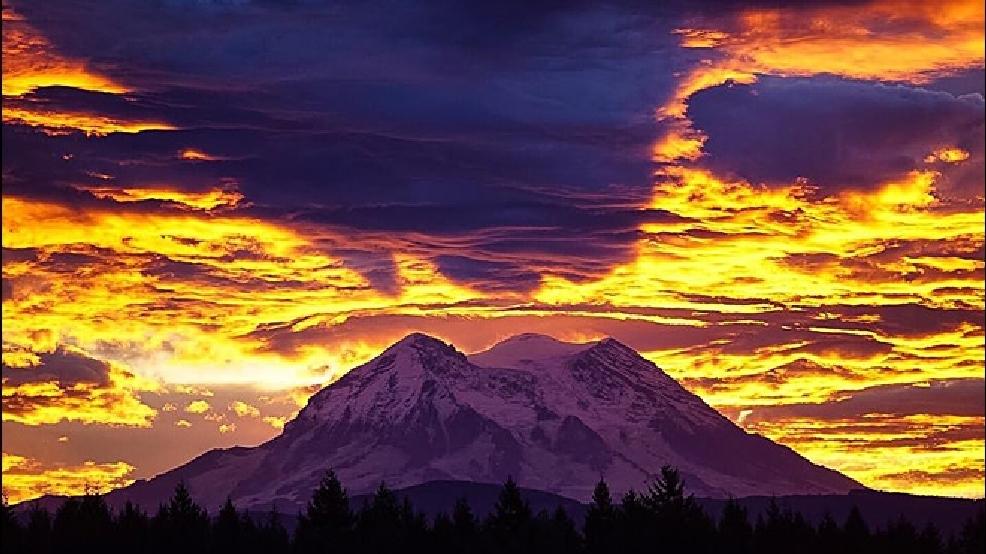 Dramatic sunrise over Mt. Rainier signals approaching winter   KOMO
