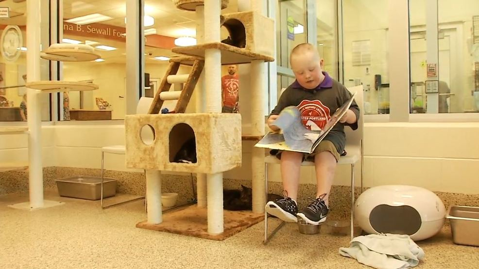 11-year-old volunteers his time to make a difference at Animal Refuge League