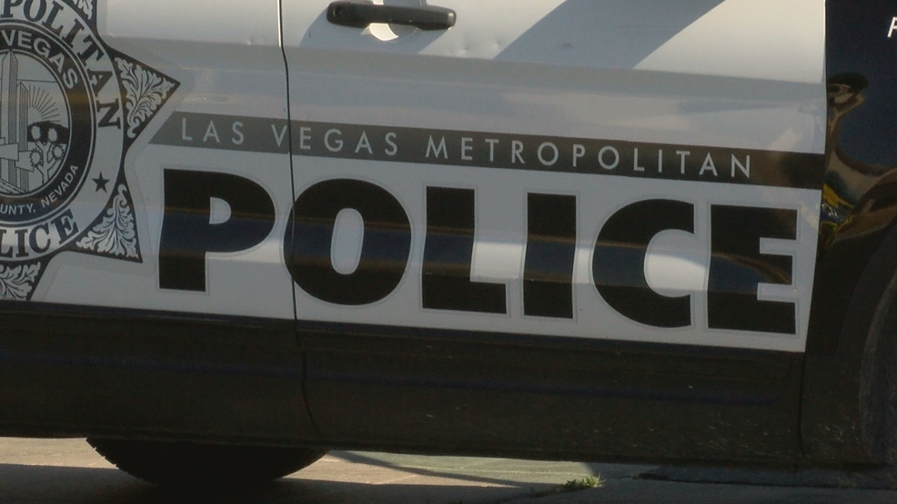 Homicide detectives investigating after body found in Las Vegas backyard