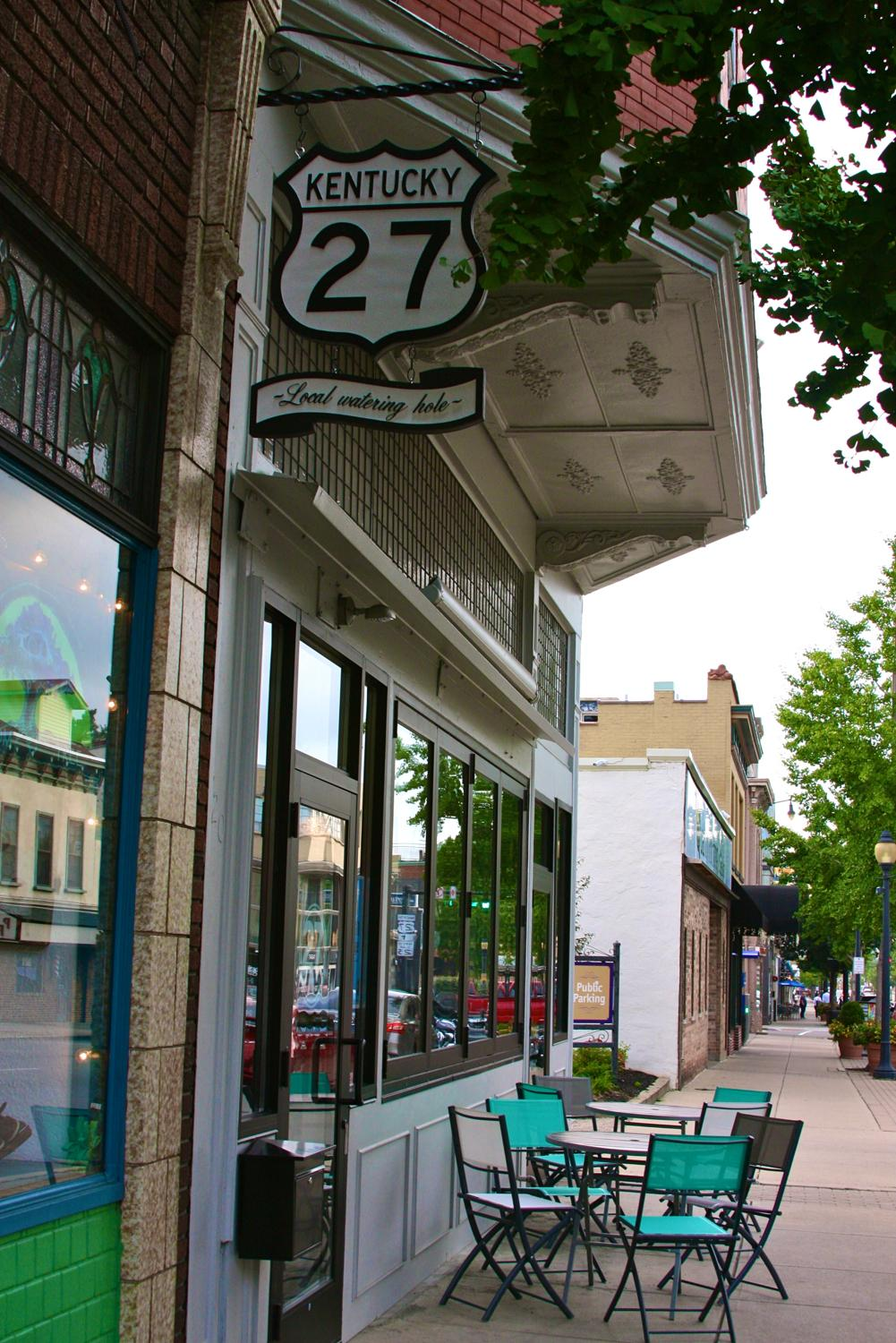 27 Bar + Kitchen is a Newport restaurant specializing in excellent American cuisine and caters to the brunch and dinner crowds. Additionally, its bar includes craft cocktails and beer, as well as coffee. / ADDRESS: 720 Monmouth Street, Newport, KY 41071 // Image: Molly Paz