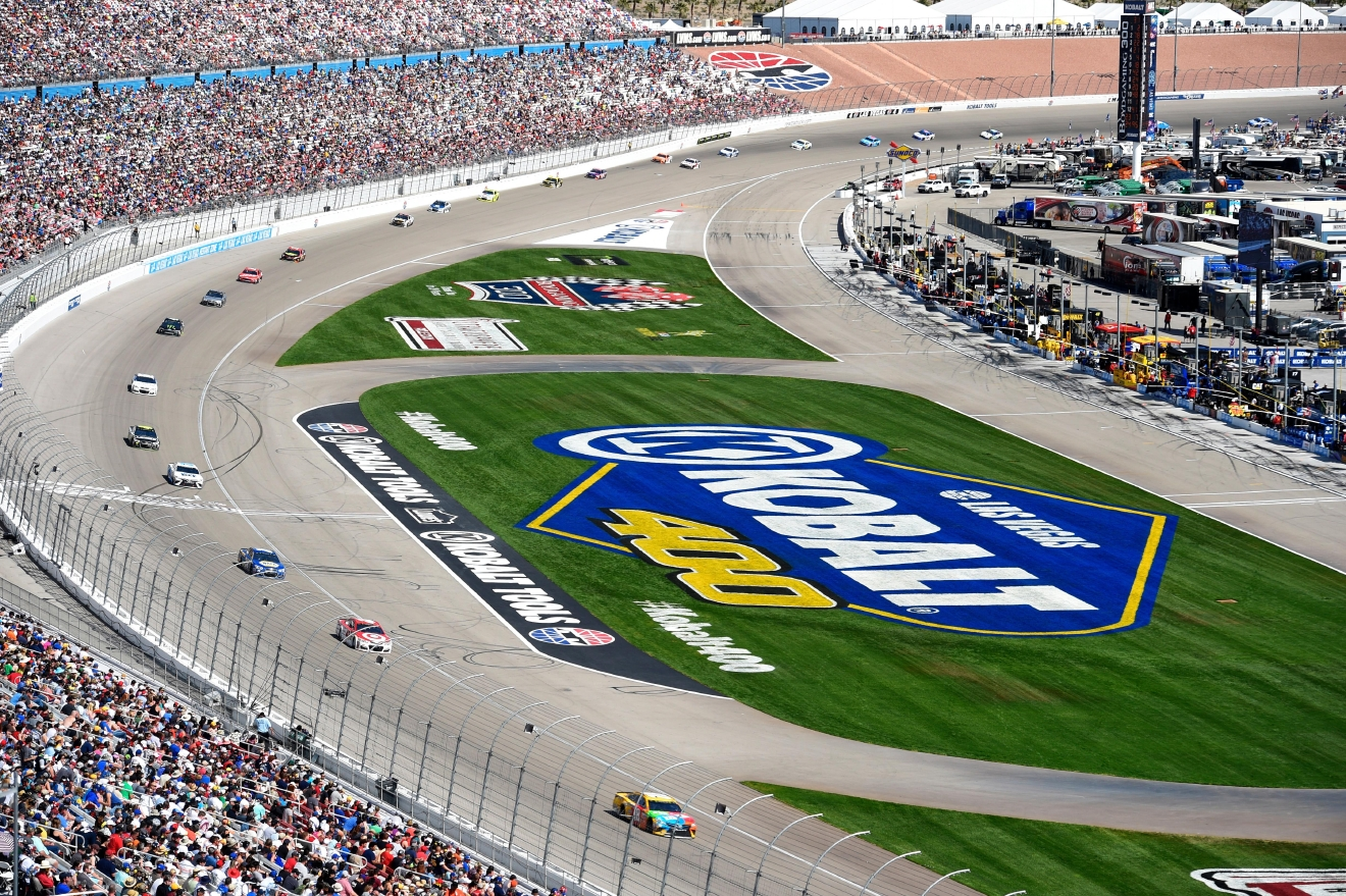 The field stretches out during the Monster Energy NASCAR Cup Series Kobalt 400 Sunday, March 12, 2017, at the Las Vegas Motor Speedway.  (Sam Morris/Las Vegas News Bureau)