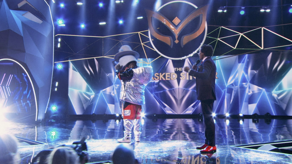 THE MASKED SINGER (ANTONIO BROWN 1).png